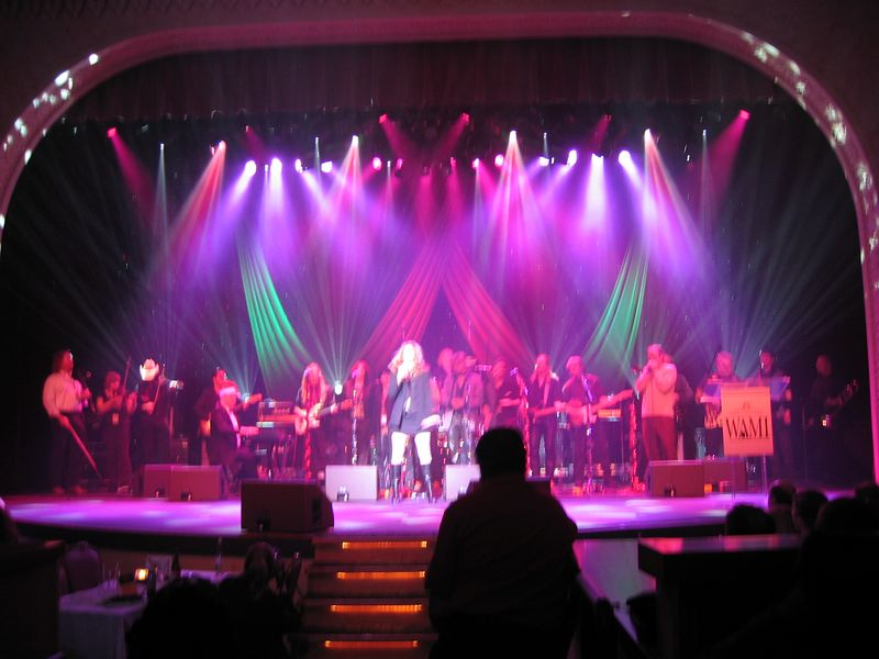 Last song of the awards show: The Sleighriders blew the roof off....great, great performance!