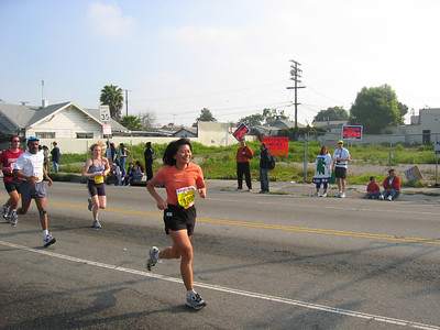 LA marathon cheering, mar 2005