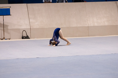 Natalia does her floor routine