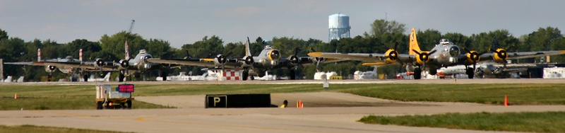 2005-07-AirVenture-B-17-Bombers
