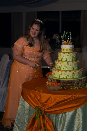 Maria Isabel cuts the cake