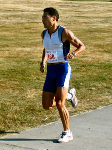 2005 Cadboro Bay Triathlon - Arturo Huerta warms up