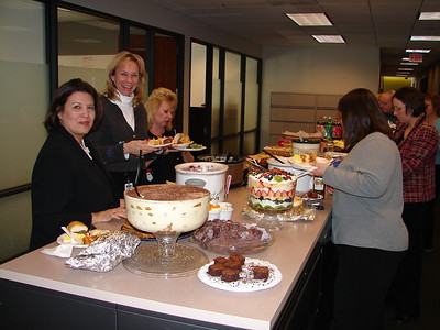 2005 Comcast Finance Holiday Potluck