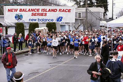 2005 Comox Valley Half Marathon - ComoxHalf2005-Al-Livsey-007.jpg