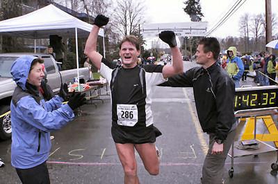 2005 Comox Valley Half Marathon - ComoxHalf2005-Al-Livsey-072.jpg