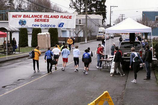 2005 Comox Valley Half Marathon - ComoxHalf2005-Al-Livsey-004.jpg