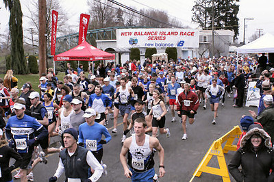 2005 Comox Valley Half Marathon - ComoxHalf2005-Al-Livsey-014.jpg