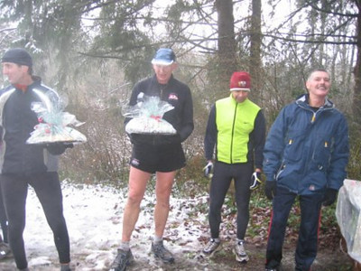 2005 New Year's Day Memorial Run - Bruce Pellow and Dan Fraser finished closest to their predicted time