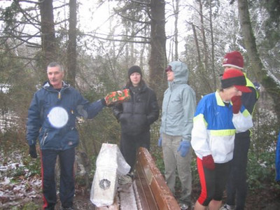 2005 New Year's Day Memorial Run - There were a couple of New Year's gifts for two outstanding Harriers