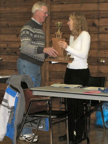 2005 PIH Awards Presentations - Sandi Heal receives the Ken Smythe Dedicated Performance Award from Ken Smythe