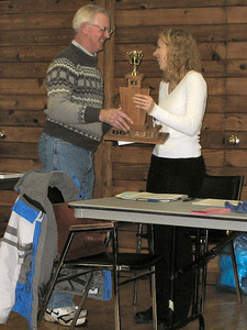 2005 PIH Awards Presentations - Sandi Heal receives the Ken Smythe Dedicated Performance Award from Ken Smythe
