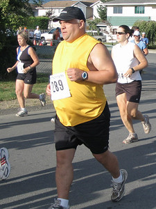2005 Run Cowichan 10K - Bachop third after winning Gunner Shaw last weekend