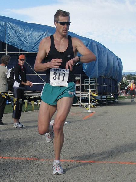 2005 Run Cowichan 10K - img0207.jpg
