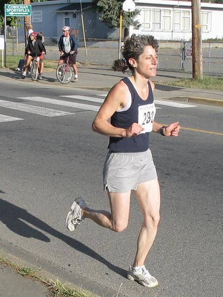 2005 Run Cowichan 10K - Sean Flemming 50m from the win