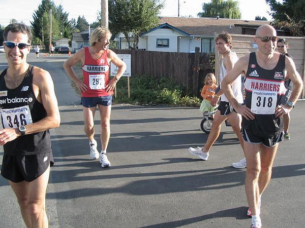 2005 Run Cowichan 10K - Richard Lee now 6th behind John Holliday