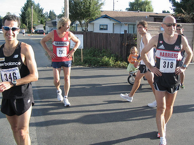 2005 Run Cowichan 10K - Richard Lee now 6th behind John Holliday