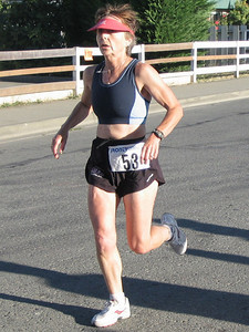 2005 Run Cowichan 10K - Rob Lonergan, Steve Bachop and Paul McCloy lead