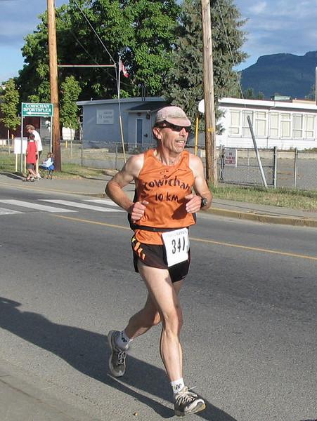 2005 Run Cowichan 10K - img0129.jpg