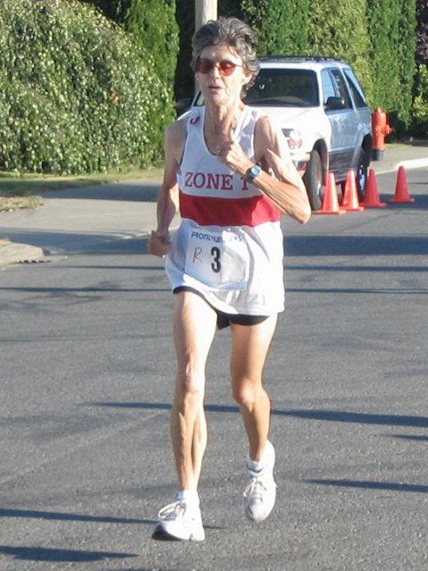 2005 Run Cowichan 10K - Todd Healy warms up