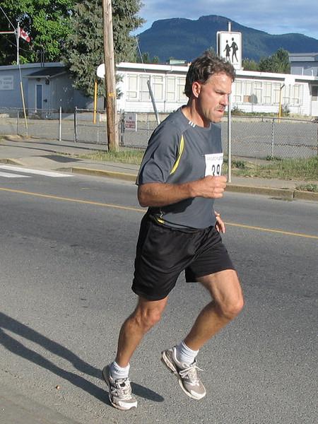 2005 Run Cowichan 10K - img0130.jpg