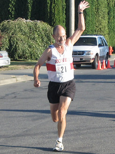 2005 Run Cowichan 10K - Cyrena Timmins was 3rd in the kids 1K