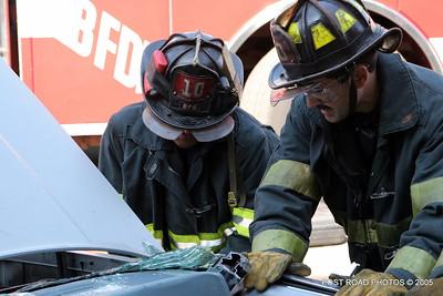 20150500-bridgeport-connecticut-fire-dept-extrication-training-post-road-photos-015