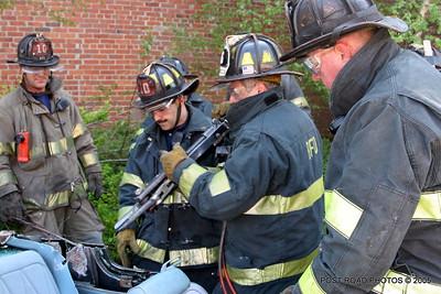 20150500-bridgeport-connecticut-fire-dept-extrication-training-post-road-photos-027