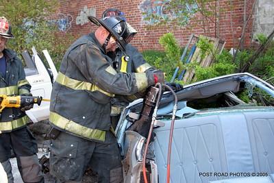 20150500-bridgeport-connecticut-fire-dept-extrication-training-post-road-photos-028