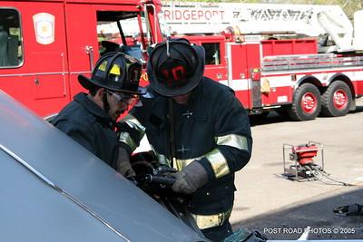 20150500-bridgeport-connecticut-fire-dept-extrication-training-post-road-photos-012