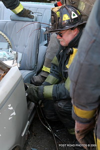 20150500-bridgeport-connecticut-fire-dept-extrication-training-post-road-photos-017