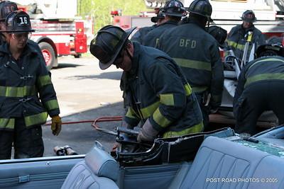 20150500-bridgeport-connecticut-fire-dept-extrication-training-post-road-photos-002