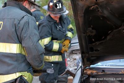 20150500-bridgeport-connecticut-fire-dept-extrication-training-post-road-photos-007