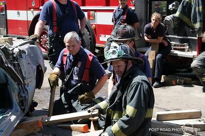 20150500-bridgeport-connecticut-fire-dept-extrication-training-post-road-photos-046