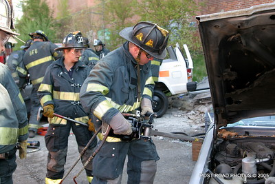 20150500-bridgeport-connecticut-fire-dept-extrication-training-post-road-photos-009