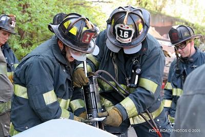 20150500-bridgeport-connecticut-fire-dept-extrication-training-post-road-photos-030