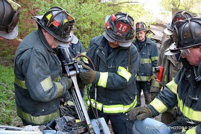 20150500-bridgeport-connecticut-fire-dept-extrication-training-post-road-photos-041