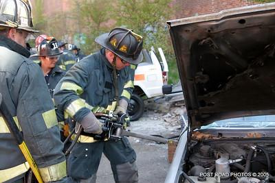 20150500-bridgeport-connecticut-fire-dept-extrication-training-post-road-photos-008