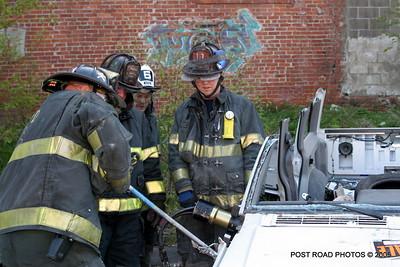 20150500-bridgeport-connecticut-fire-dept-extrication-training-post-road-photos-010