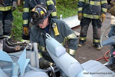 20150500-bridgeport-connecticut-fire-dept-extrication-training-post-road-photos-023