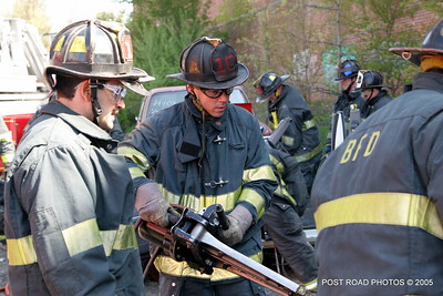 20150500-bridgeport-connecticut-fire-dept-extrication-training-post-road-photos-006