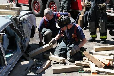 20150500-bridgeport-connecticut-fire-dept-extrication-training-post-road-photos-042