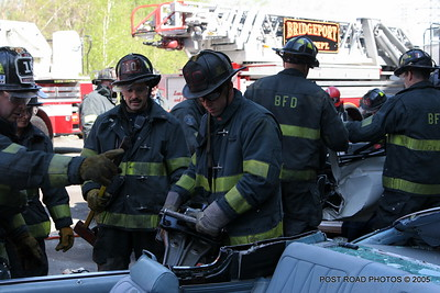 20150500-bridgeport-connecticut-fire-dept-extrication-training-post-road-photos-003