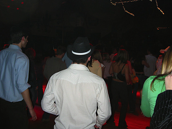04 - Aaron doing the line dance.JPG