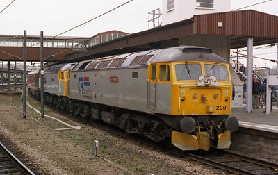 47200+47828 are pictured again on arrival at York with 1Z47. The pair then worked forward as 1Z48 1222 York-York circular tour via Harrogate and Leeds (19/03/2005)