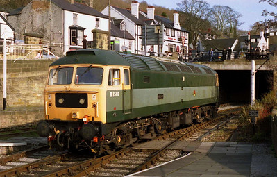 A look at the other end of 47449 as the loco runs round at Llangollen during the railway's diesel gala (27/02/2005)