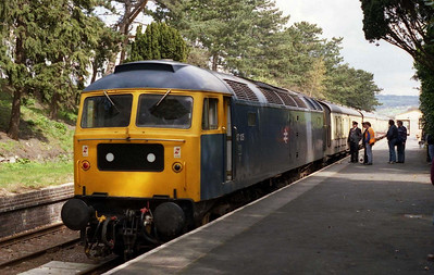 47105 is pictured on arrival at Cheltenham Race Course with the 1230 from Toddington on the first day of the GWR's Spring Diesel Weekend. '376 had been rostered for this train, but had failed with flat batteries (08/04/2005)
