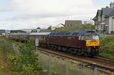 At the other end of the train, 47854 waits to become the first '47' to depart from the port with the return 1Z22 1454 Mallaig-Dundee charter (06/08/2005)