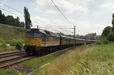 The following afternoon, 47826 approaches Crossflatts with 5Z28 1316 Neville Hill-Carnforth empty stock move off the previous day's chatrer to Edinburgh (03/07/2005)