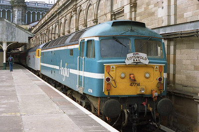 Thought ot be the first time a pair of 'ETH'-fitted '47s' has worked together in multiple, Cotswold Rail's 47714 + 47828 'Joe Strummer' are pictured on arrival at Edinburgh Waverley with Heartland Rail's 1Z47 0625 charter from Wolverhampton (23/07/2005)