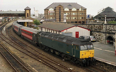 Freightliner Heavy Haul's 47816 stands at Holyhead with 1A24 0914 to London Euston (16/07/2005)
